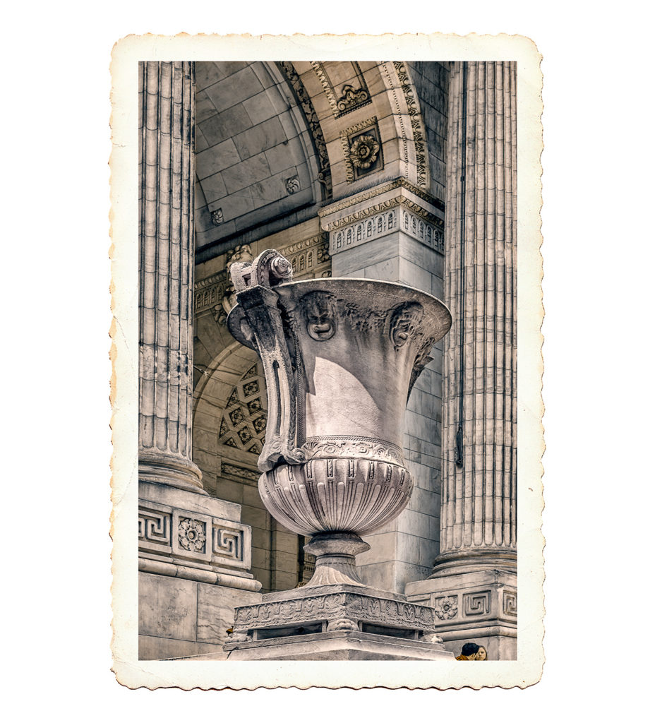 B&W postcard photo of urn statue outside New York Public Library, New York City, USA