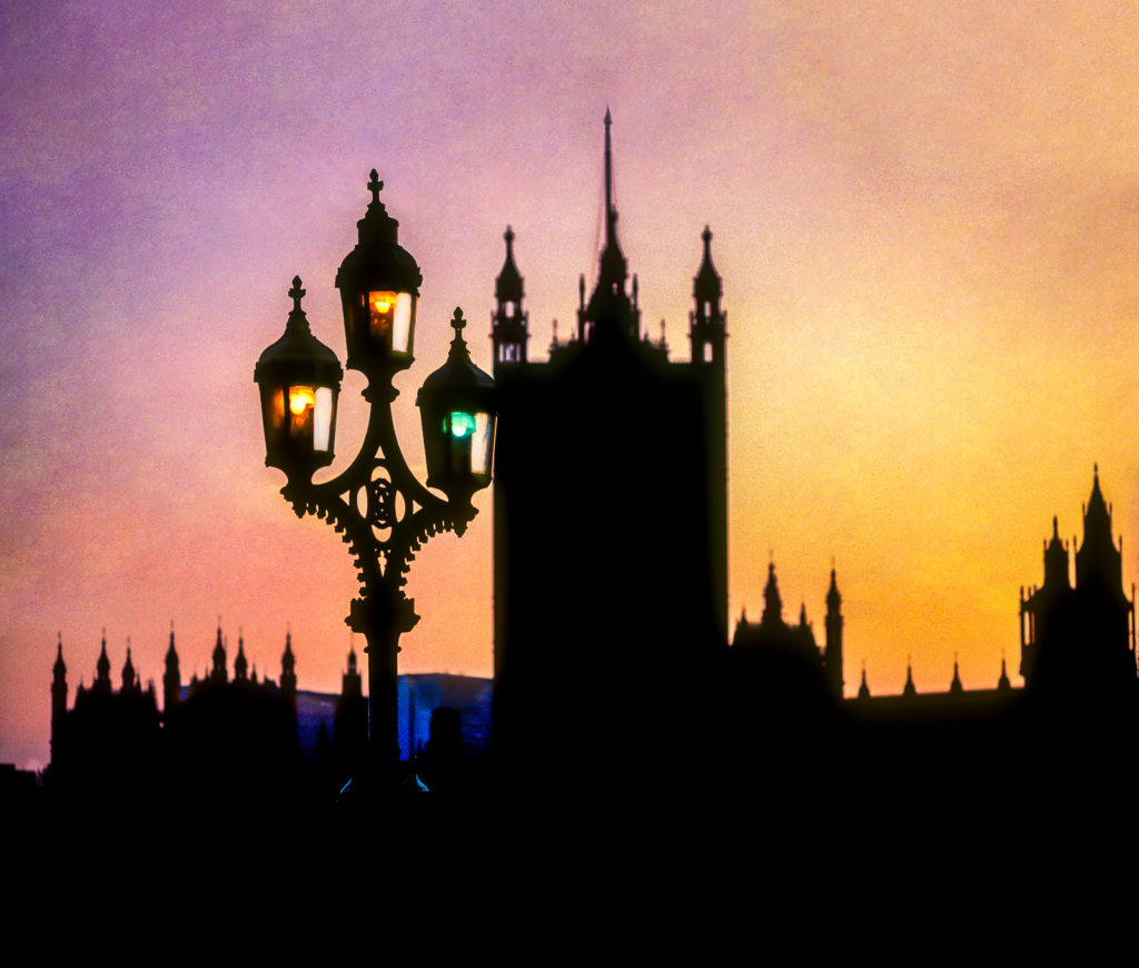 Photo of Street lamp sunset silhouette of Houses of Parliament, London, England